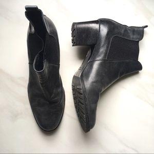 Aquatalia Italy Leather 9.5 Ankle Boots Black $595